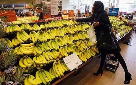 Supermarket dating bananas