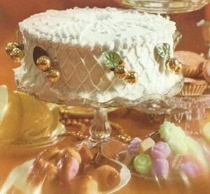 Golden-Ball Christmas Cake